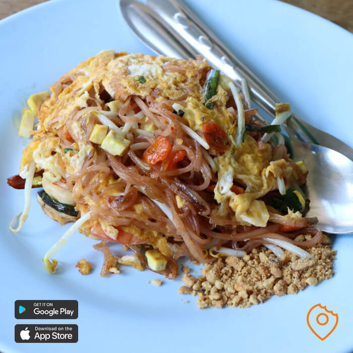 pad thai bangkok street food