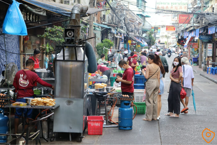 street food in chinatown bangkok