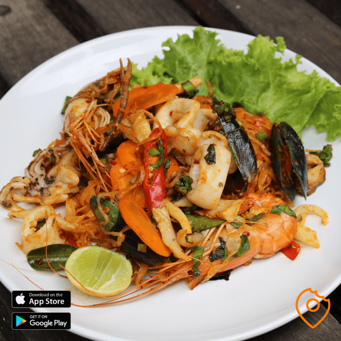 Tom Yum Noodles with Seafood