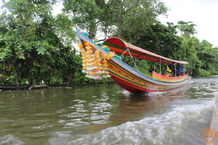 taling chan floating market canal tour