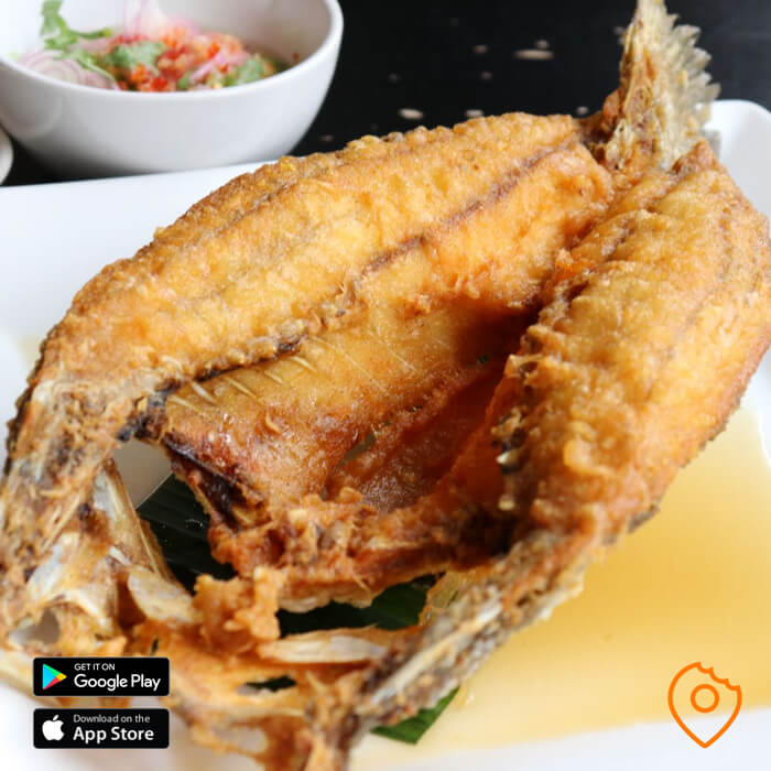 Best Thai Dishes Deep-Fried Seabass with Mango Salad