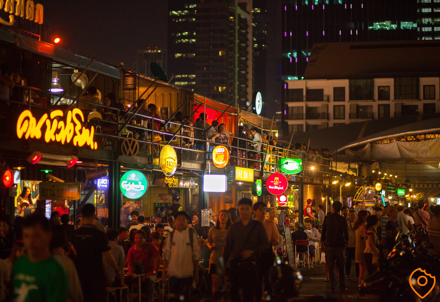 eat cheap in thailand night markets