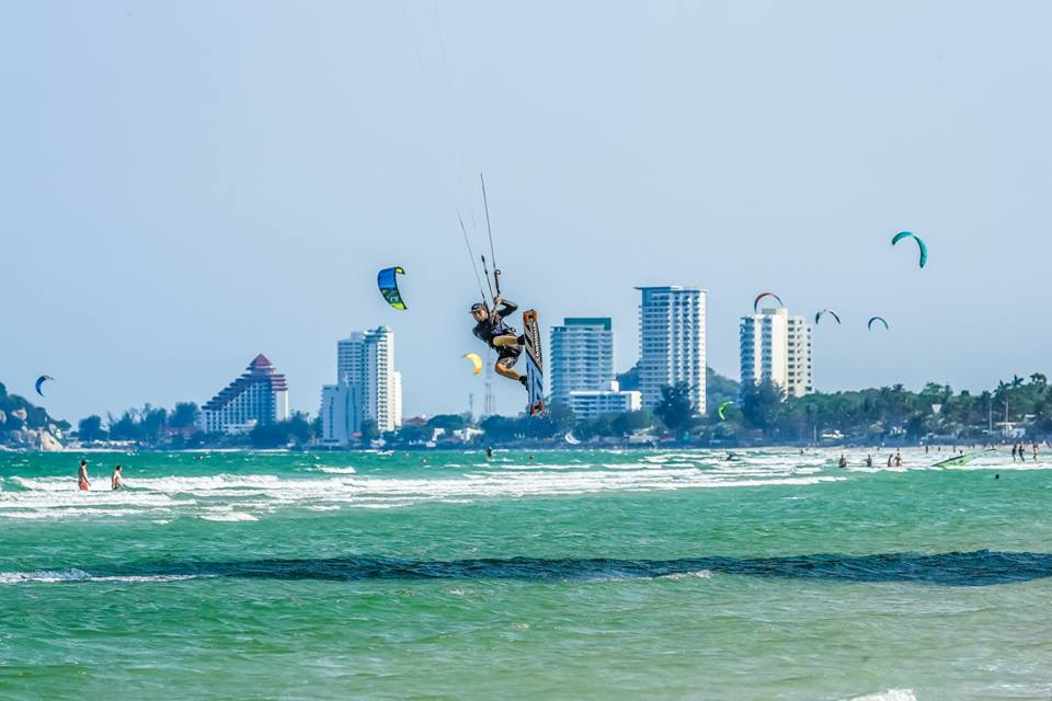 Things to do in Thailand - Kitesurfing