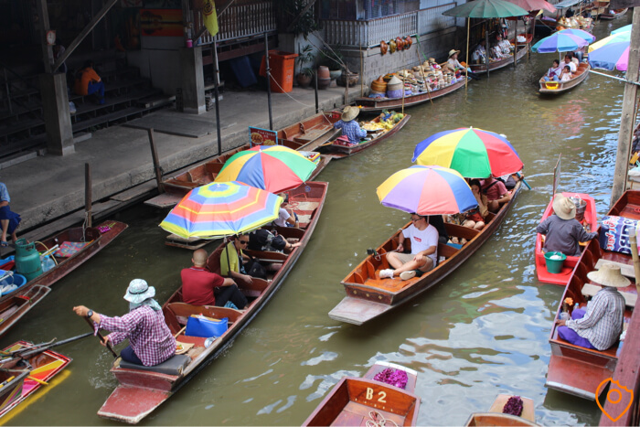 Wat are the best floating markets in Bangkok