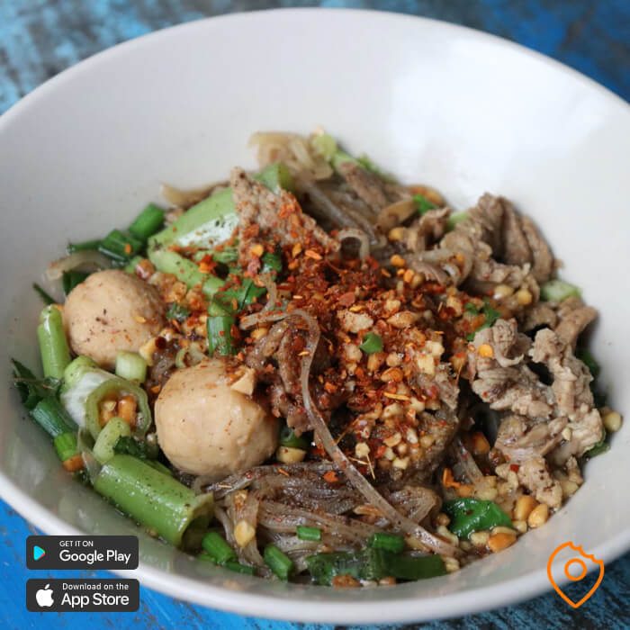 Where To Stay In Bangkok For Food -  Boat Noodles