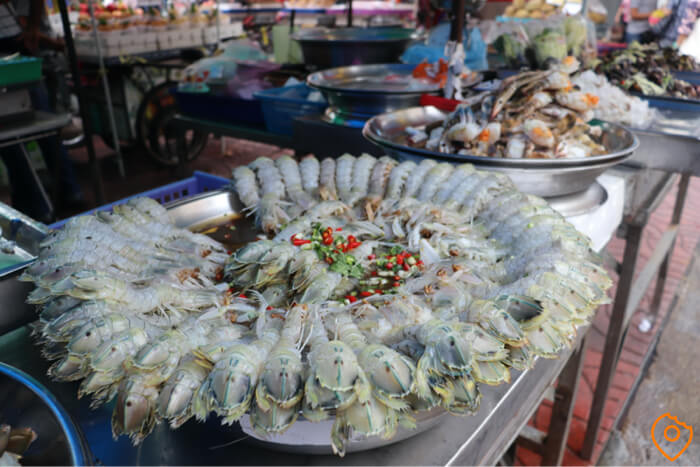 Where To Stay In Bangkok For Street Food - Chinatown
