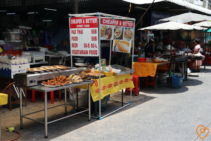 Where To Stay In Bangkok For Street Food - Silom