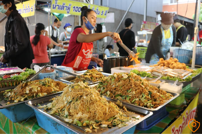 Where To Stay In Bangkok For Street Food - Victory Monument